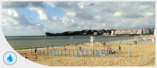 Illustration_plagistes-St-Jean-de-Luz-eau
